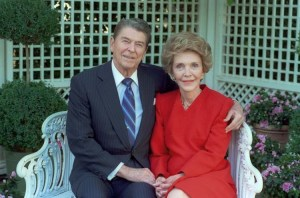 official_portrait_of_the_reagans_on_the_white_house_grounds_1988